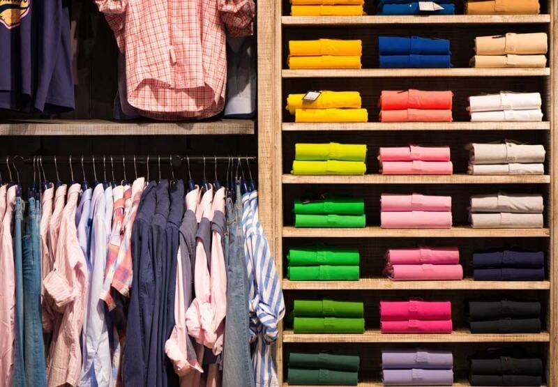 Kleiderschrank ausmisten und Kleidung einlagern